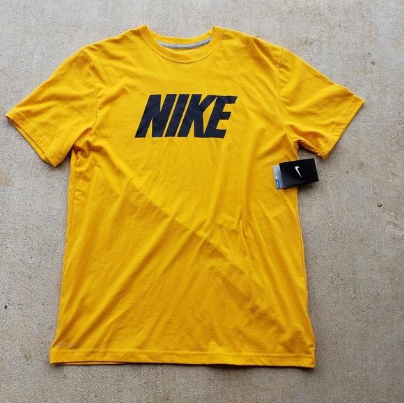 nike shirt price